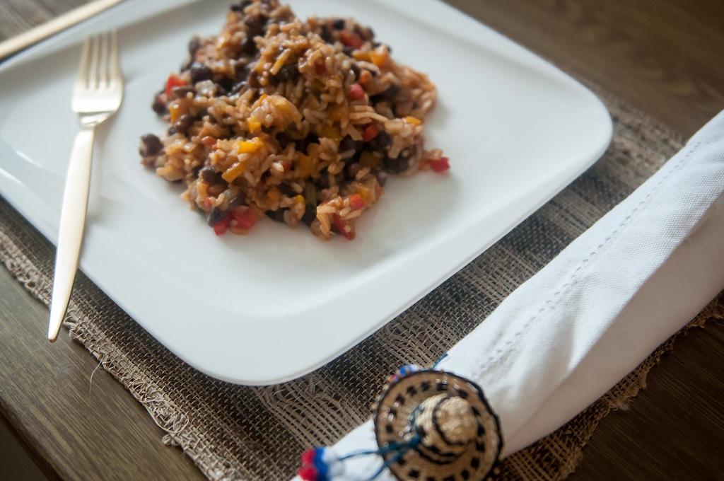 Frijoles negros con arroz
