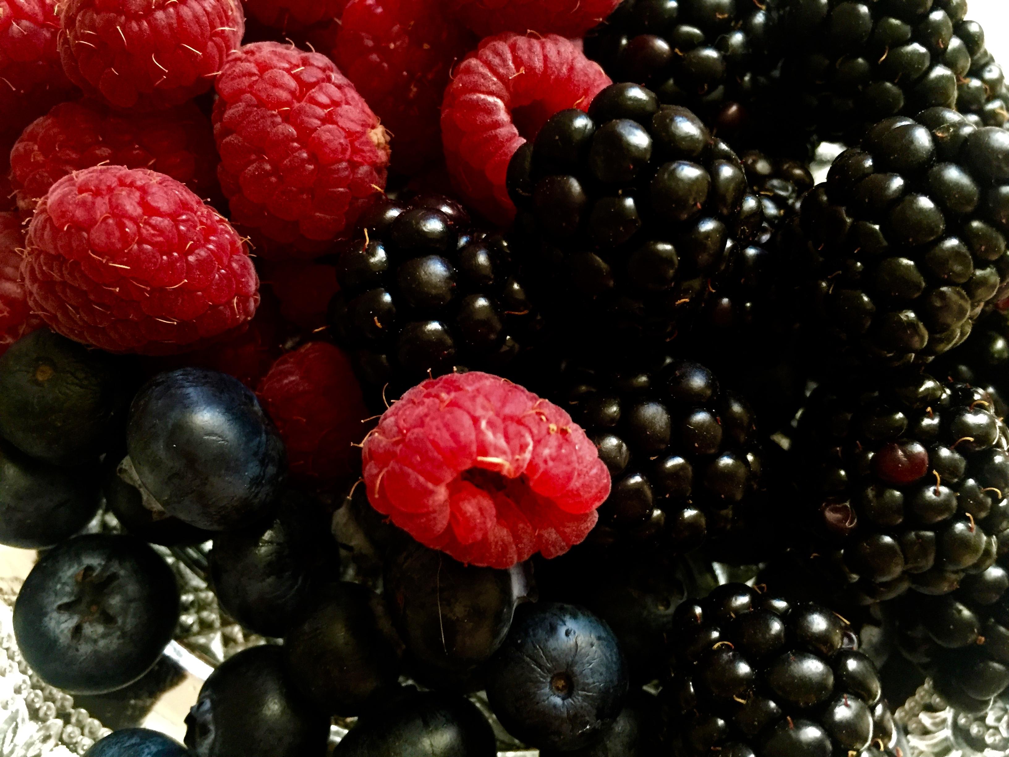 Frutos rojos con crema Chantillí