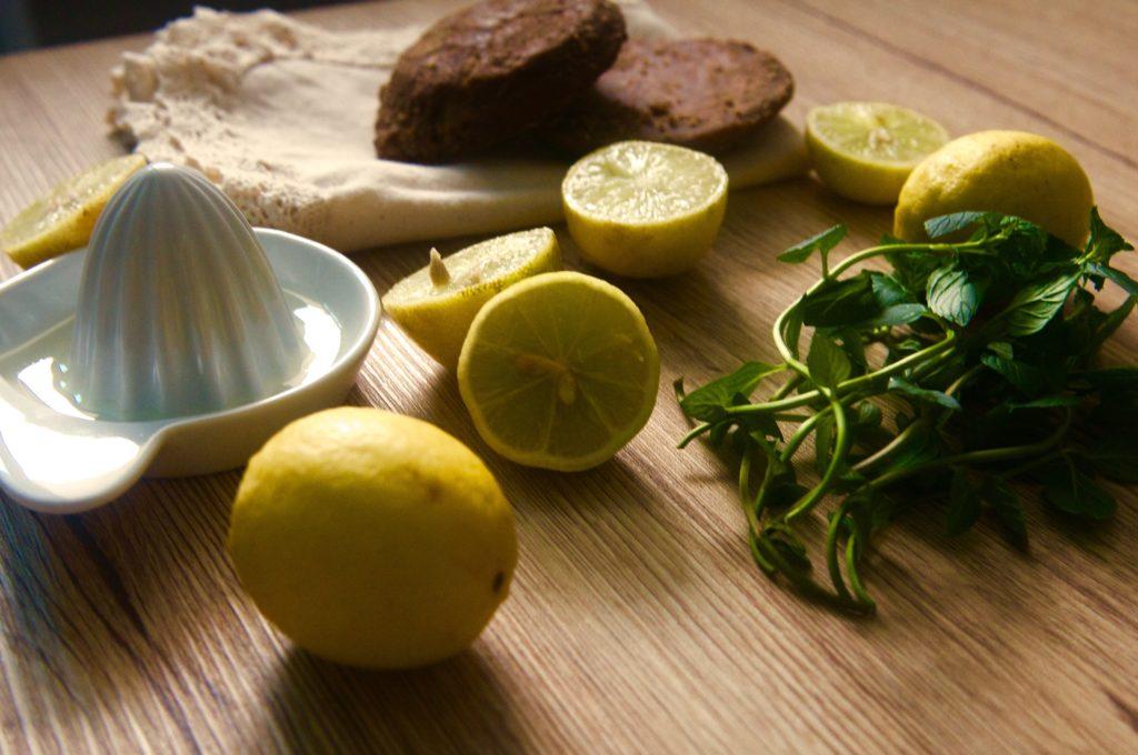 Limonada con raspadura Julia Pela la Yuca