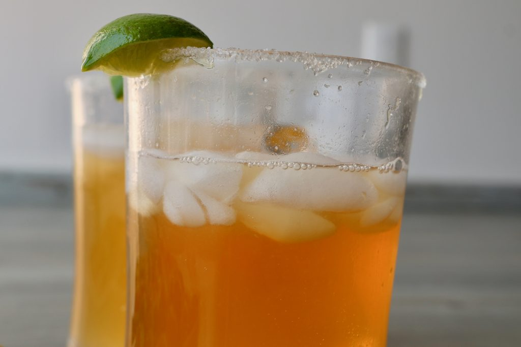 Michelada con limón