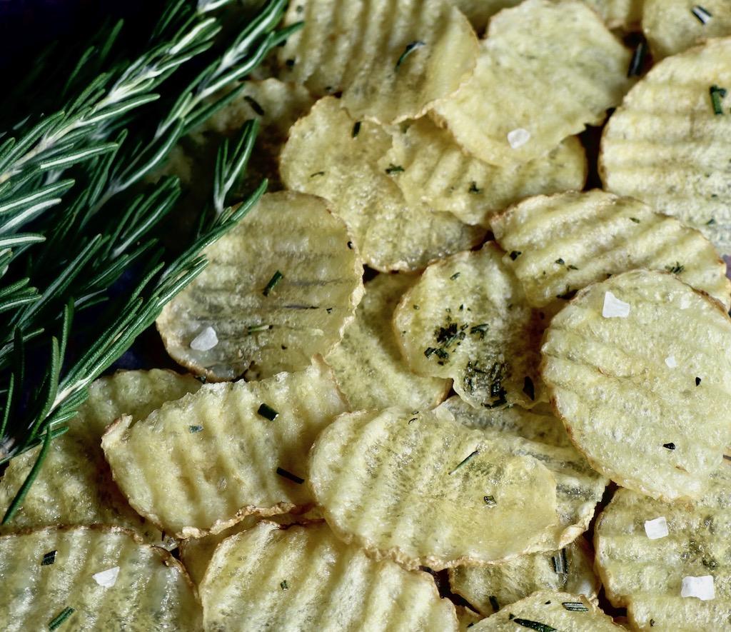 chips de papas con romero en microondas