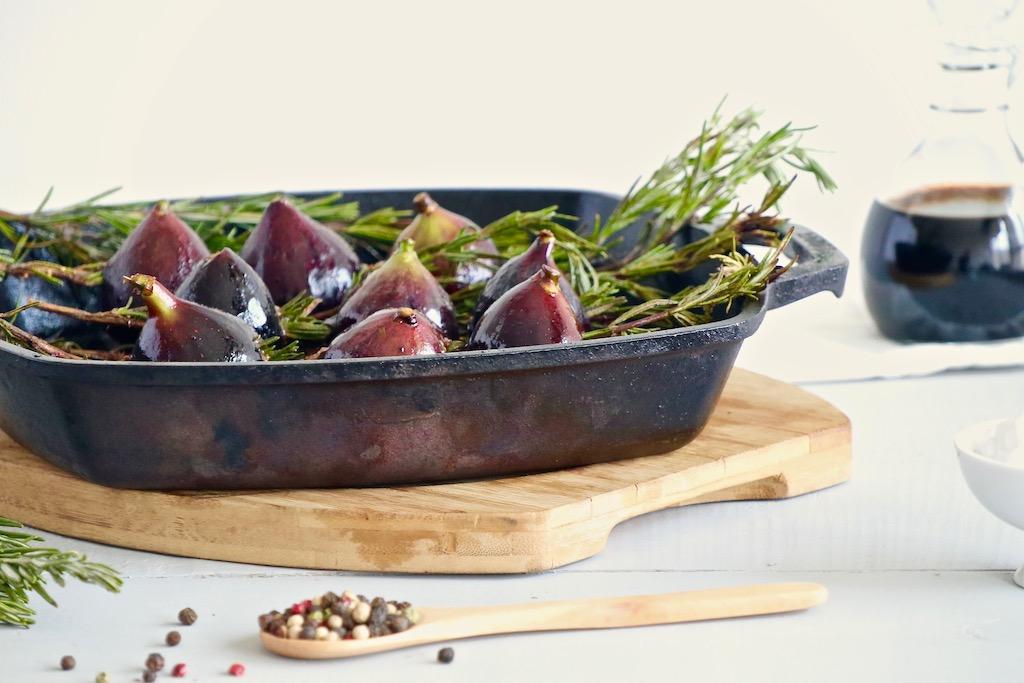 Higos con romero, pimienta y balsámico dentro de grill